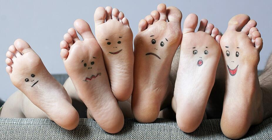 feet_with_faces.jpg